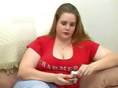 Chubby girls shows how she can smoke with her pussy
