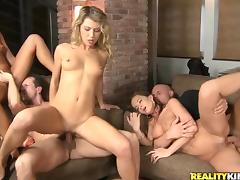 Unforgettable Orgy Between Three Bombastic Ladies And Two Fellows