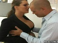 Striking Elle Cee With Giant Tits Gets Her Pussy Licked In The Office