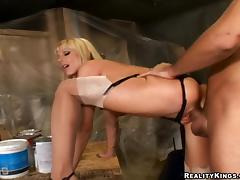 Scrumptious Holly Sampson Gets Her Pussy Fucked Hard