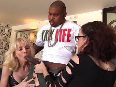 Exquisite Cammille And Roxanne Rae Do A Crazy Threesome