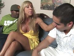 Blonde milf Morgan Ray sucks a fat weiner and gets her vag torn up