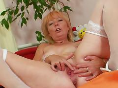 Bedroom, Bedroom, Blonde, Fingering, Masturbation, Mature