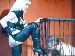 stooge cage