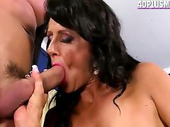 Newbie divorcee is a great fuck