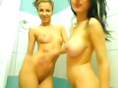 Super heisse Girls beim Duschen