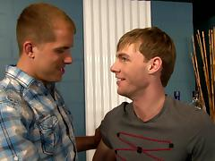 NextDoorBuddies Video: Bar Boys