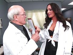 Doctor Destiny Dixon blows a lucky patient before being fucked
