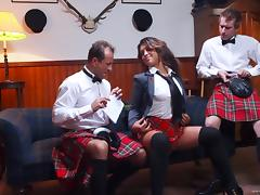 Hannah Shaw gets her pussy drilled by two Scotish dudes in MMF clip