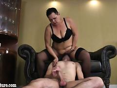 Very fat granny sucks young boy and he liks her pussy
