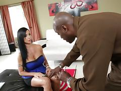 Busty brunette wench Jewels Jade gets polished by Lexington Steele