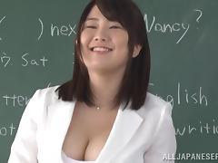 Busty Asian teacher Homare Momono shows her titfucking skills