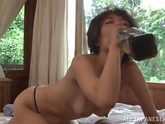 Horny Japanese Gets Cum In Her Mouth After A Hot Blowjob