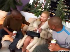 Stunning Kid Jamaica And Elinor Gasset Have An Interracial Threesome