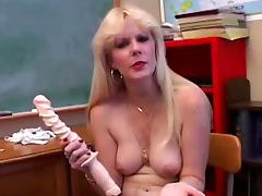 Mature sex teacher shows the masturbation process