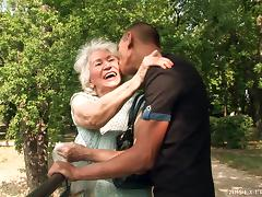 Granny Gets A Facial Cumshot After Being Pounded Hardcore