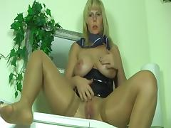 german milf dirty talk masturbation and squirt 2