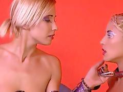 Melinda & Tchanka get their cunts fucked in FFM threesome fetish scene
