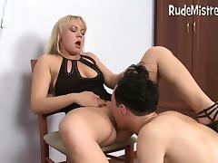 Guy eating femdom pussies